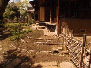 庭園(東)から見たベランダ