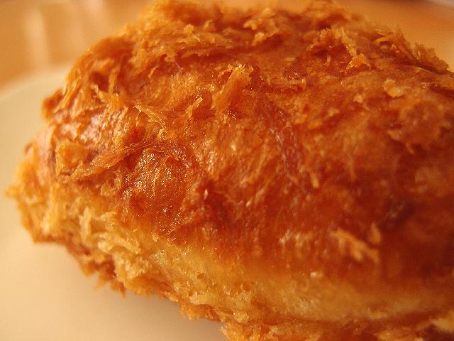 ヤオコーおすすめ惣菜パン 手包みレーパンは食べておくべき!