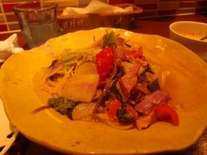 川越農家の忍田さん、長島さん、萩原さんの野菜とベーコンのペペロンチーノ