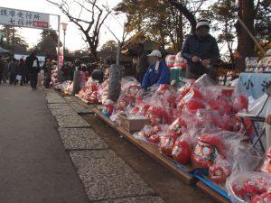 【喜多院 だるま市】初大師の境内はカラフルなだるまでいっぱい
